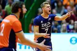 05-09-2015 NED: Volleybal vriendschappelijk Nederland - Belgie, Utrecht<br /> Nederland verliest kansloos met 3-0 van Belgie / Gijs Jorna #7