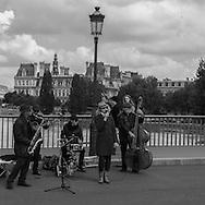 France. Paris 4th district . Saint Louis bridge on the  seine river  beetween left bank and ile de la cite  /  pont Saint Louis sur la seine entre l ile de la cite et la rive gauche