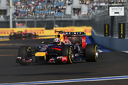 10.10.2014, Sochi Autodrom, Sotschi, RUS, FIA, Formel 1, Grosser Preis von Russland, Training, im Bild Daniel Ricciardo (AUS) Red Bull Racing RB10. // during the Practice of the FIA Formula 1 Russia Grand Prix at the Sochi Autodrom in Sotschi, Russia on 2014/10/10. EXPA Pictures © 2014, PhotoCredit: EXPA/ Sutton Images<br /> <br /> *****ATTENTION - for AUT, SLO, CRO, SRB, BIH, MAZ only*****