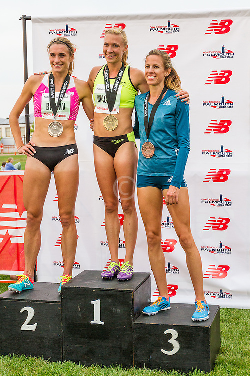 womens' Elite Mile, podium, Katie Mackey wins