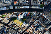 Nederland, Noord-Holland, Amsterdam, 27-09-2015; Binnenstad van Amsterdam, Singel ter hoogte van Bloemenmarkt met dak van Kalvertoren<br /> Roof of Kalvertoren Shopping center, Amsterdam City Centre.<br /> <br /> luchtfoto (toeslag op standard tarieven);<br /> aerial photo (additional fee required);<br /> copyright foto/photo Siebe Swart
