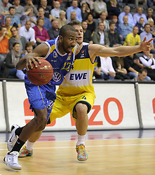 01.11.2014, EWE Arena, Oldenburg, GER, Beko Basketball BL, EWE Baskets Oldenburg vs Basketball Löwen Braunschweig, 7. Runde, im Bild Dru Joyce (Braunschweig, ehemals Oldenburg) gegen Chris Kramer (EWE Baskets) //  during the Beko Basketball Bundes league 7th round match between EWE Baskets Oldenburg vs Basketball Lions Braunschweig at the EWE Arena in Oldenburg, Germany on 2014/11/01. EXPA Pictures © 2014, PhotoCredit: EXPA/ Eibner-Pressefoto/ Hibbeler<br /> <br /> *****ATTENTION - OUT of GER*****