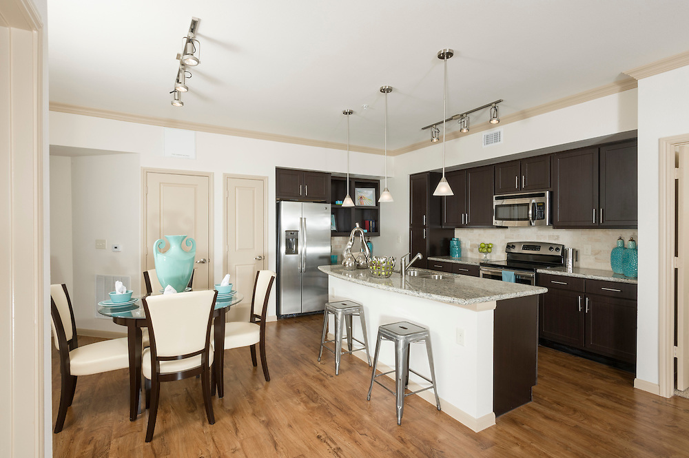 Valencia Place Luxury Apartment Homes, a property on West Belfort in Houston, Texas, near Reliant Stadium and operated by Greystar.