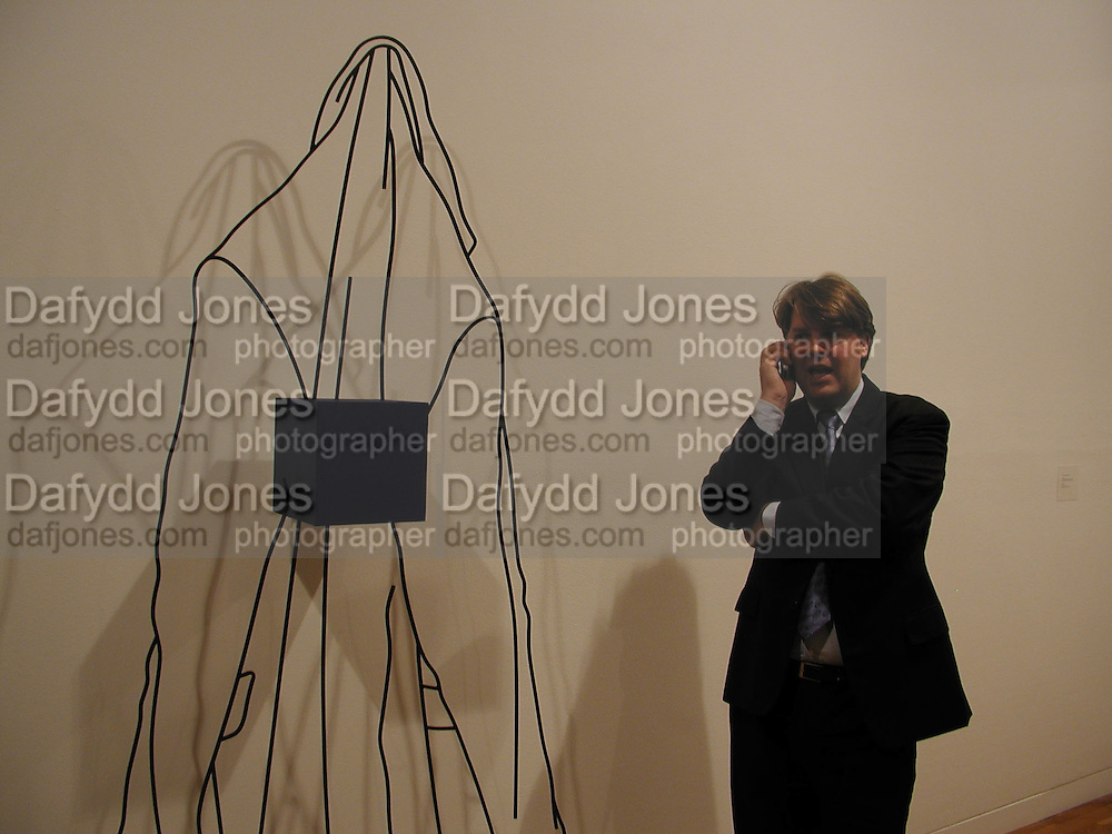Ben Brown. Michael Craig-Martin  private view. Waddingtons. 15 October 2002. © Copyright Photograph by Dafydd Jones 66 Stockwell Park Rd. London SW9 0DA Tel 020 7733 0108 www.dafjones.com