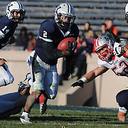 Deon Randall, Yale, scores the winning touchdown during the Yale V Brown, Ivy League Football match at Yale Bowl. Yale won the match 24-17. New Haven, Connecticut, USA. 9th November 2013. Photo Tim Clayton