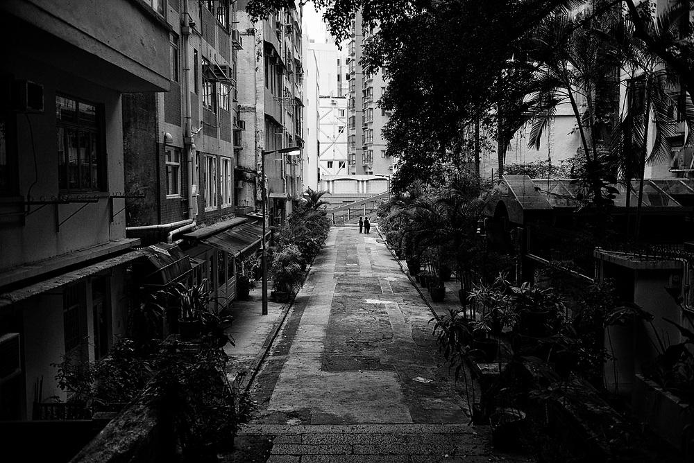 Hong Kong | 05.05.2017: Hong Kong <br /> <br /> hier: Wohnstra&szlig;e auf Hong Kong Island<br />  <br /> Sascha Rheker<br /> 20170505<br /> <br /> [Inhaltsveraendernde Manipulation des Fotos nur nach ausdruecklicher Genehmigung des Fotografen. Vereinbarungen ueber Abtretung von Persoenlichkeitsrechten/Model Release der abgebildeten Person/Personen liegt/liegen nicht vor.]