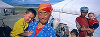 Mongolie. Province de Bayan Olgii. Campement de yourte kazak dans le parc national de Tsambagarav. Population Kazak. // Mongolia. Bayan Olgii province. Kazak yurt camp on the Tsambagarav National Parc. Kazak population.