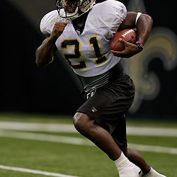 24 August 2009: New Orleans Saints running back Mike Bell (21) runs with the ball during New Orleans Saints training camp practice at the Louisiana Superdome in New Orleans, Louisiana.