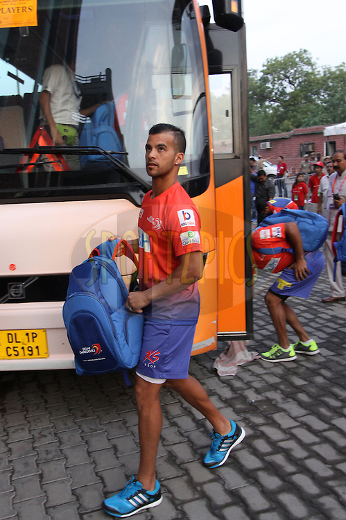 Jean-Paul Duminy of the Delhi Daredevils arrive before  match 26 of the Pepsi Indian Premier League Season 2014 between the Delhi Daredevils and the Chennai Superkings held at the Ferozeshah Kotla cricket stadium, Delhi, India on the 5th May  2014<br /> <br /> Photo by Arjun Panwar / IPL / SPORTZPICS<br /> <br /> <br /> <br /> Image use subject to terms and conditions which can be found here:  http://sportzpics.photoshelter.com/gallery/Pepsi-IPL-Image-terms-and-conditions/G00004VW1IVJ.gB0/C0000TScjhBM6ikg