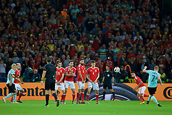 LILLE, FRANCE - Friday, July 1, 2016: Wales' Gareth Bale, Hal Robson-Kanu, Joe Ledley and Ben Davies form a wall to defend a free-kick from Belgium's Kevin De Bruyne during the UEFA Euro 2016 Championship Quarter-Final match at the Stade Pierre Mauroy. (Pic by David Rawcliffe/Propaganda)