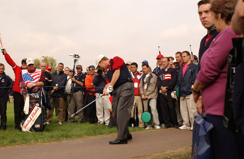 Sutton Coldfield, UK..2002 Ryder Cup..David Toms hits off cart path on 5th hole..09/29/02, Sunday Singles Matches..Photograph