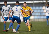 FODBOLD: Andreas O. Jensen (Ølstykke FC) jagter Mark Jeppe (Humlebæk) under kampen i Serie 2 mellem Ølstykke FC og Humlebæk Boldklub den 6. april 2019 på Ølstykke Stadion. Foto: Claus Birch.