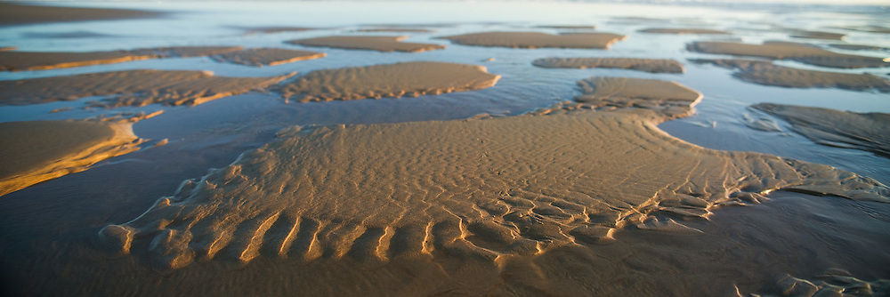 Sandy Shoreline, 9 Mile Beach, Newcastle, NSW, Australia,