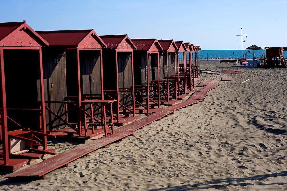 Lido di Ostia, Roma<br /> Gli stabilimenti balneari  si preparano per la stagione estiva<br /> Lido di Ostia, Rome<br /> The bathing facilities are preparing for the summer season.