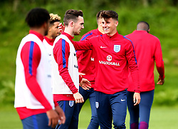 Mason Mount and Ed Francis take part in training with England Under 19s ahead of the International Friendlies against Poland and Germany - Mandatory by-line: Robbie Stephenson/JMP - 31/08/2017 - FOOTBALL - England U19 - Training session ahead of international friendlies against Poland and Germany