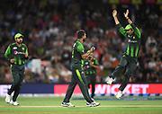 Pakistan bowler Rumman Raees (middle) celebrates with team mates the wicket of Bruce.<br /> Pakistan tour of New Zealand. T20 Series. 3rd Twenty20 international cricket match, Bay Oval, Mt Maunganui, New Zealand. Sunday 28 January 2018. © Copyright Photo: Andrew Cornaga / www.Photosport.nz
