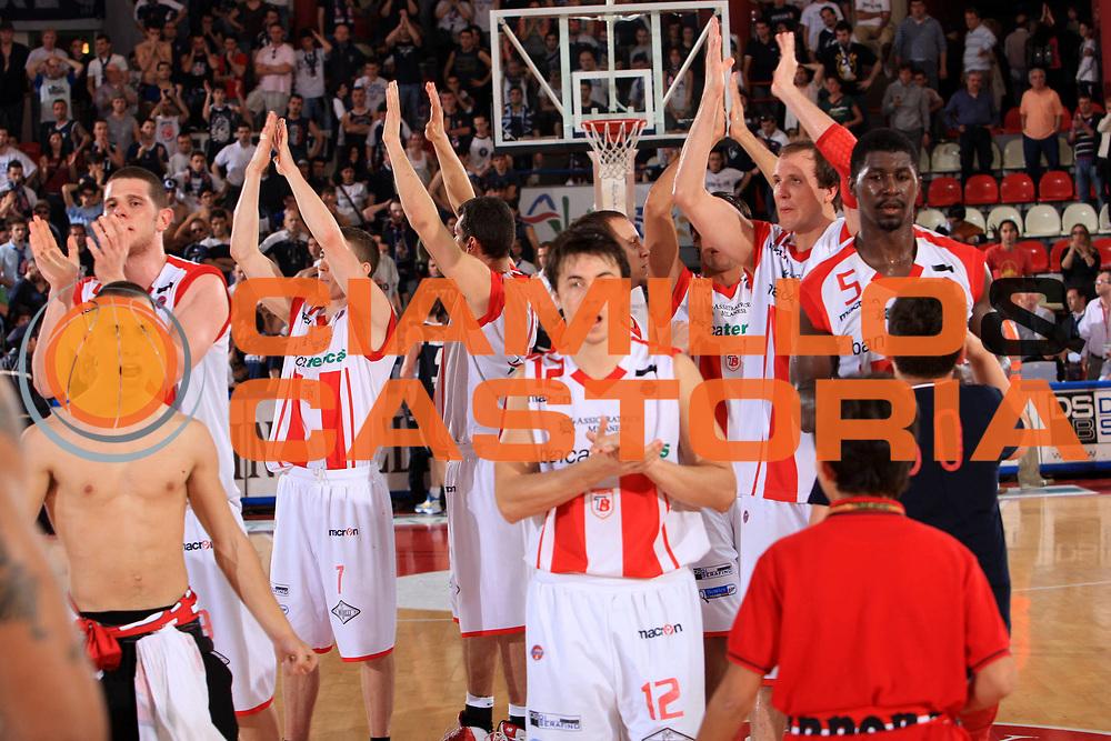 DESCRIZIONE : Teramo Lega A 2008-09 Bancatercas Teramo GMAC Fortitudo Bologna <br /> GIOCATORE : Valerio Amoroso Alessandro Piazza Brandon Brown<br /> SQUADRA : Bancatercas Teramo<br /> EVENTO : Campionato Lega A 2008-2009<br /> GARA : Bancatercas Teramo GMAC Fortitudo Bologna<br /> DATA : 10/05/2009<br /> CATEGORIA : esultanza<br /> SPORT : Pallacanestro<br /> AUTORE : Agenzia Ciamillo-Castoria/M.Carrelli