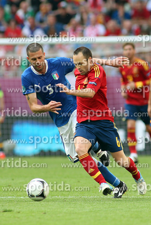 10.06.2012, Arena Gdansk, Danzig, POL, UEFA EURO 2012, Spanien vs Italien, Gruppe C, im Bild THIAGO MOTTA WLOCHY ANDRES INIESTA HISZPANIA // during the UEFA Euro 2012 Group C Match between Spain and Italy at the Arena Gdansk, Gdansk, Poland on 2012/06/10. EXPA Pictures © 2012, PhotoCredit: EXPA/ Newspix/ Michal Stawowiak..***** ATTENTION - for AUT, SLO, CRO, SRB, SUI and SWE only *****
