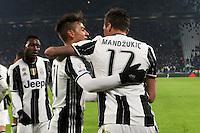 can - 11.01.2017 - Torino - Coppa Italia Tim  -  Juventus-Atalanta nella  foto: Mario Mandzukic abbracciato da Paulo Dybala   dopo il gol
