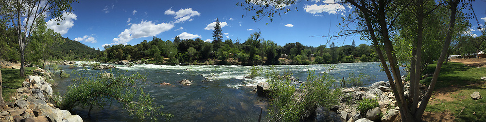 Panorama: American River, Coloma, California, US