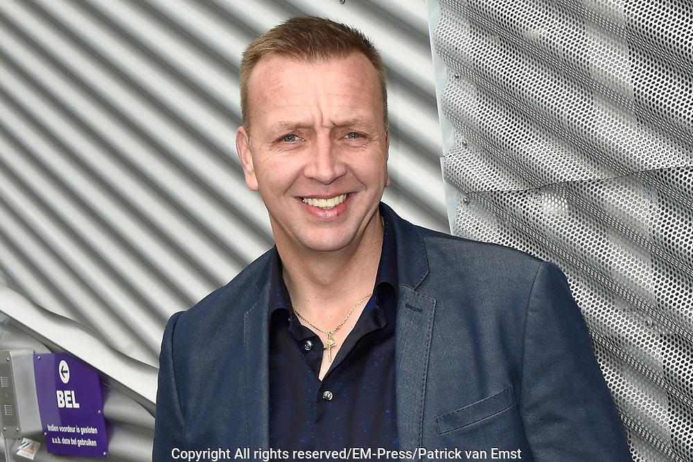 Lancering nieuw initiatief Nederlandse muziekmaat- schappijen- Hits NL, de Nederlandstalige streamingdienst in de Vorstin, Hilversum.<br /> <br /> Op de foto:  Jannes - Jannes Wolters