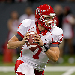 Oct 17, 2009; New Orleans, LA, USA;  Houston Cougars quarterback Case Keenum (7) looks to throw during a game against the Tulane Green Wave at the Louisiana Superdome. Houston defeated Tulane 44-16.   Mandatory Credit: Derick E. Hingle-US PRESSWIRE