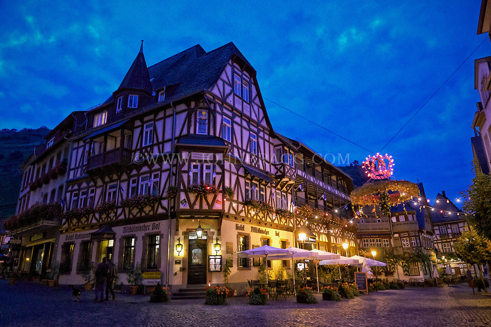 Night view of the Hotel, Restaurant Altkölnischer Hof, sitting on the cobblestone streets of Bacharach, Germany.