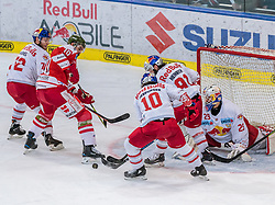 08.04.2018, Eisarena, Salzburg, AUT, EBEL, EC Red Bull Salzburg vs HCB Südtirol, Finale, 1. Spiel, im Bild v.l.: John Hughes (EC Red Bull Salzburg), Michael Angelidis (HC Bozen), Raphael Herburger (EC Red Bull Salzburg), Dominique Heinrich (EC Red Bull Salzburg), Bernhard Starkbaum (EC Red Bull Salzburg) // during the Erste Bank Icehockey 1st final match between EC Red Bull Salzburg and HCB Südtirol at the Eisarena in Salzburg, Austria on 2018/04/08. EXPA Pictures © 2018, PhotoCredit: EXPA/ JFK
