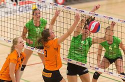 09-04-2016 NED: Coolen Alterno - Springendal Set Up 65, Apeldoorn<br /> Set Up wint met 3-2 en dat blijkt genoeg om zich te plaatsen voor de finale. / Juliet Lohuis #5 of Alterno, Jiska Kamphuis #3 of Set Up 65