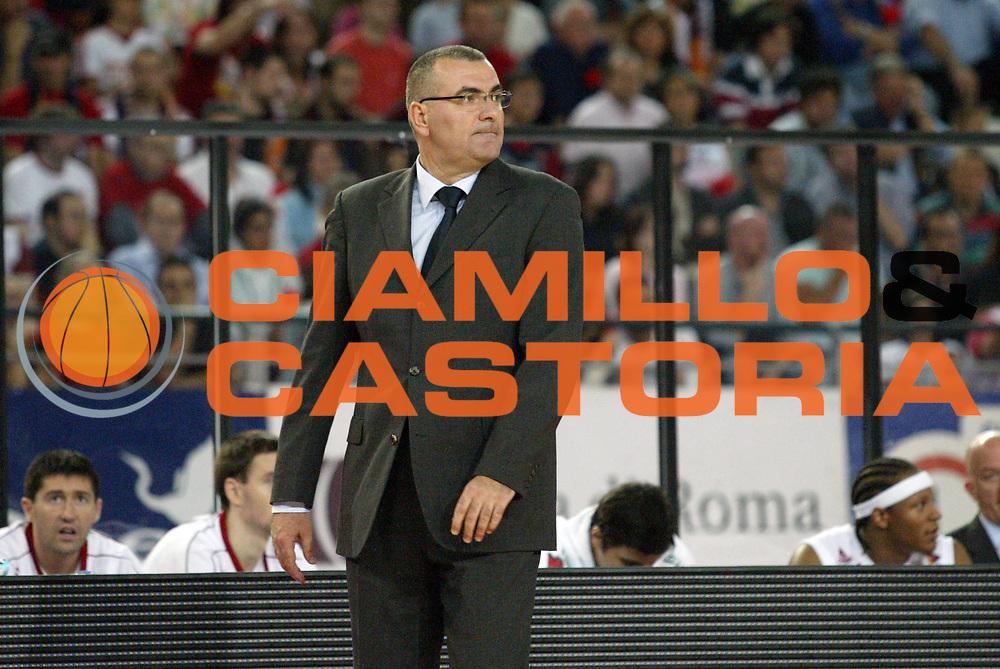 DESCRIZIONE : Roma Lega A1 2006-07 Playoff Semifinale Gara 2 Lottomatica Virtus Roma Montepaschi Siena<br /> GIOCATORE : Jasmin Repesa<br /> SQUADRA : Lottomatica Virtus Roma<br /> EVENTO : Campionato Lega A1 2006-2007 Playoff Semifinale Gara 2<br /> GARA : Lottomatica Virtus Roma Montepaschi Siena<br /> DATA : 02/06/2007 <br /> CATEGORIA : Ritratto Delusione<br /> SPORT : Pallacanestro <br /> AUTORE : Agenzia Ciamillo-Castoria/G.Cottini
