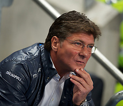 MANCHESTER, ENGLAND - Wednesday, September 14, 2011: SSC Napoli manager Walter Mazzarri during the UEFA Champions League Group A match at the City of Manchester Stadium. (Photo by Chris Brunskill/Propaganda)