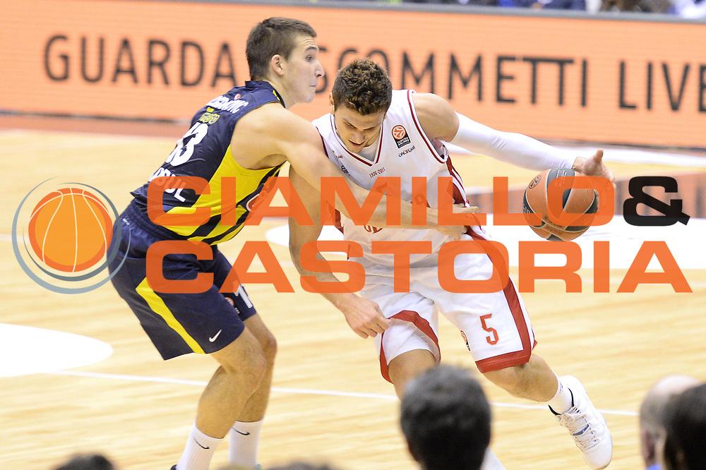 DESCRIZIONE : Milano Eurolega Euroleague 2014-15 EA7 Emporio Armani Milano FENERBAHCE ULKER ISTANBUL<br /> GIOCATORE :  Alessandro Gentile<br /> CATEGORIA : Palleggio<br /> SQUADRA :EA7 Emporio Armani Milano<br /> EVENTO : Eurolega Euroleague 2014-2015 GARA : Emporio Armani Milano FENERBAHCE ULKER ISTANBUL<br /> DATA : 22/01/2015<br /> SPORT : Pallacanestro <br /> AUTORE : Agenzia Ciamillo-Castoria/I.Mancini<br /> Galleria : Eurolega Euroleague 2014-2015 Fotonotizia : Milano Eurolega Euroleague 2014-15 Emporio Armani Milano FENERBAHCE ULKER ISTANBUL<br /> Predefinita :