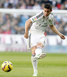 10.01.2015, Estadio Santiago Bernabeu, Madrid, ESP, Primera Division, Real Madrid vs Espanyol Barcelona, 18. Runde, im Bild Real Madrid's James Rodriguez // during the Spanish Primera Division 18th round match between Real Madrid CF and Espanyol Barcelona at the Estadio Santiago Bernabeu in Madrid, Spain on 2015/01/10. EXPA Pictures &copy; 2015, PhotoCredit: EXPA/ Alterphotos/ Acero<br /> <br /> *****ATTENTION - OUT of ESP, SUI*****