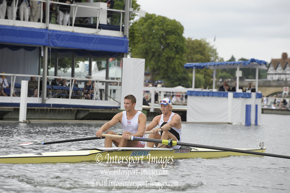 Henley, Great Britain.  GBR M2- Bow Andy TRIGGS HODGE and Peter REED, during the closing stages of the heat in the  Silver Goblets and Nickalls'  Challenge Cup  2009 Henley Royal Regatta Friday 03/07/2009 at  [Mandatory Credit. Peter Spurrier/Intersport Images] . HRR.