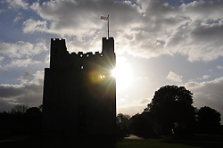 © Licensed to London News Pictures. 14/11/2013<br /> An afternoon Autum Sun behind Rochester Castle,Rochester,Kent.<br /> Photo credit :LNP