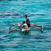Pescador das Quirimbas. Arquipélago das Quirimbas , viajem em velha no coração de umas dos mais incrível arquipélago do mundo com uma das mais antigas embarcação do oceano indico. (Ibo Island Lodge)