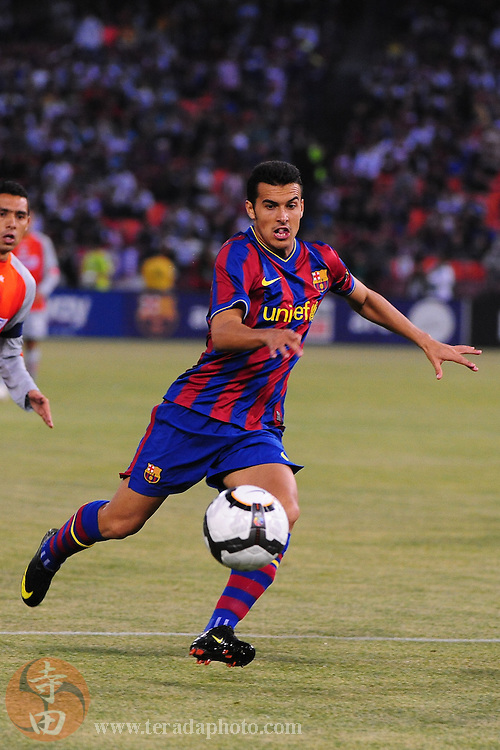 August 8, 2009; San Francisco, CA, USA; FC Barcelona defender Pedro Rodriguez (27) runs after the ball during the first half in the Night of Champions international friendly contest against Chivas de Guadalajara at Candlestick Park.