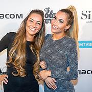 NLD/Amsterdam/20171106 - MTV Pre party 2017, tweeling Sharon en Esmee Ipema