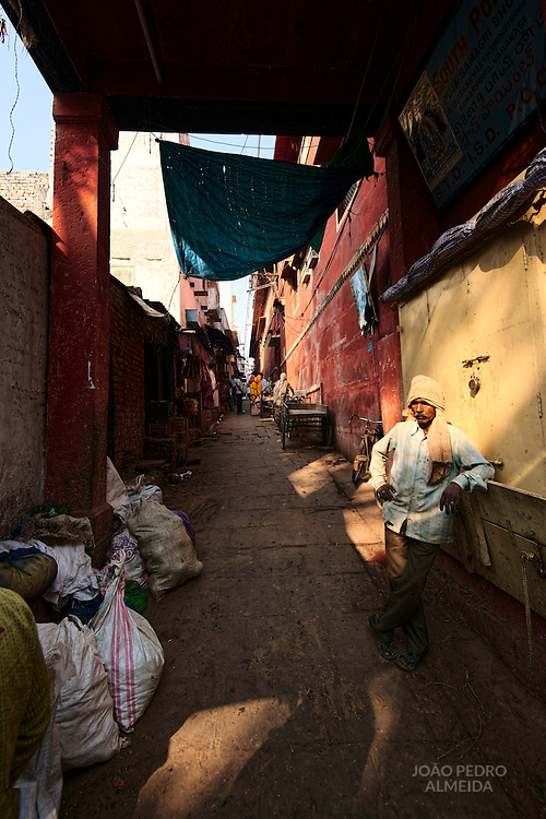 The narrow alleys of old Varanasi's old town