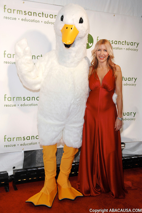 Event host Heather Mills poses at the 2008 Farm Sanctuary Gala at Cipriani Wall Street in New York City, USA on May 17, 2008.