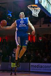 13-03-2011 BASKETBAL: HEREN ALL STAR GALA: ZWOLLE<br /> <br /> Ross Bekkering CAN-NLD (Zorg en Zekerheid Leiden) wint de dunkwedstrijd<br /> ©2011-WWW.FOTOHOOGENDOORN.NL / Peter Schalk