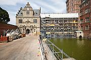 restaurering af audiensgang på Frederiksborg Slot, Slots- og Kulturstyrelsen, eksteriør, stilladser, voldgrav Slots- og Kulturejendom, loft og tag over audiensgangen