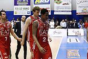 DESCRIZIONE : Capo dOrlando Lega A 2014-15 Orlandina Basket Olimpia Emporio Armani EA7 Milano<br /> GIOCATORE : Marshon Brooks Team<br /> CATEGORIA : Delusione Team<br /> SQUADRA : Orlandina Basket EA7 Emporio Armani Olimpia Milano<br /> EVENTO : Campionato Lega A 2014-2015 <br /> GARA : Orlandina Basket EA7 Emporio Armani Olimpia Milano<br /> DATA : 19/04/2015<br /> SPORT : Pallacanestro <br /> AUTORE : Agenzia Ciamillo-Castoria/G.Pappalardo<br /> Galleria : Lega Basket A 2014-2015<br /> Fotonotizia : Capo dOrlando Lega A 2014-15 Orlandina Basket EA7 Emporio Armani Olimpia Milano