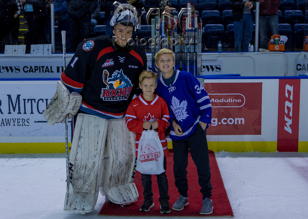 KELOWNA, CANADA - OCTOBER 22:  First Star of the Game James Porter #1 of the Kelowna Rockets at the Kelowna Rockets game on October 22, 2017 at Prospera Place in Kelowna, British Columbia, Canada.  (Photo By Cindy Rogers/Nyasa Photography,  *** Local Caption ***