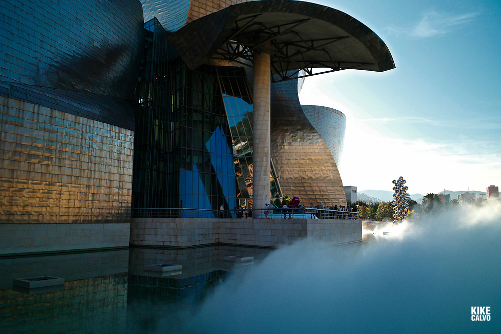 The Fog sculpture designed as a sculptural medium by Fujiko Nakaya, The Guggenheim Museum in Bilbao