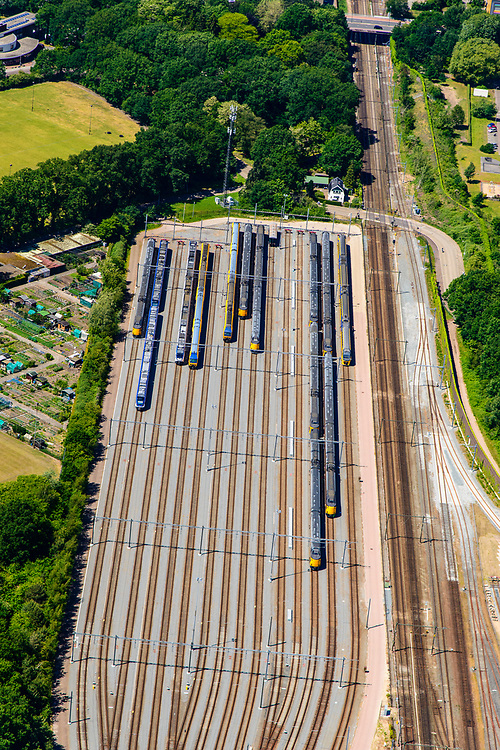 Nederland, Utrecht, Amersfoort, 29-05-2019; NS emplacement Amersfoort met op de opstelsporen veel intercity treinen.<br /> NS railway yard Amersfoort with many intercity trains on the railway tracks.<br /> luchtfoto (toeslag op standard tarieven);<br /> aerial photo (additional fee required);<br /> copyright foto/photo Siebe Swart