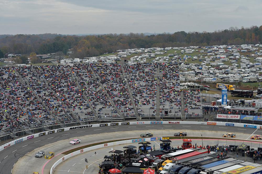 30 October - 1 November, 2015, Martinsville, Virginia USA<br /> Jimmie Johnson, Brad Keselowski<br /> &copy;2015 Scott R LePage <br /> LAT Photo USA