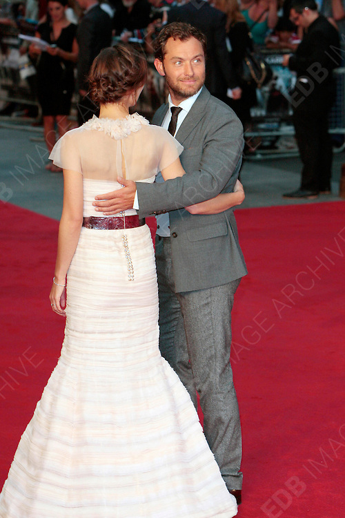04.SEPTEMBER.2012. LONDON<br /> <br /> KEIRA KNIGHTLEY AND JUDE LAW ATTEND THE UK FILM PREMIERE OF NEW FILM ANNA KARENINA AT THE ODEON CINEMA, LEICESTER SQAURE.<br /> <br /> BYLINE: EDBIMAGEARCHIVE.CO.UK<br /> <br /> *THIS IMAGE IS STRICTLY FOR UK NEWSPAPERS AND MAGAZINES ONLY*<br /> *FOR WORLD WIDE SALES AND WEB USE PLEASE CONTACT EDBIMAGEARCHIVE - 0208 954 5968*