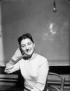 08-11/12/1952<br /> 12/08/1952<br /> 08 December 1952<br /> Olympia pantomime, Eileen Keegan.