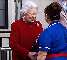 MAR 04 2013 Queen Elizabeth leaves the King Edward VII hospital